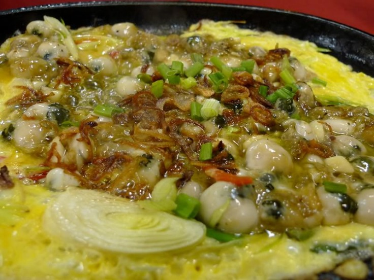 delicious-oyster-omelette