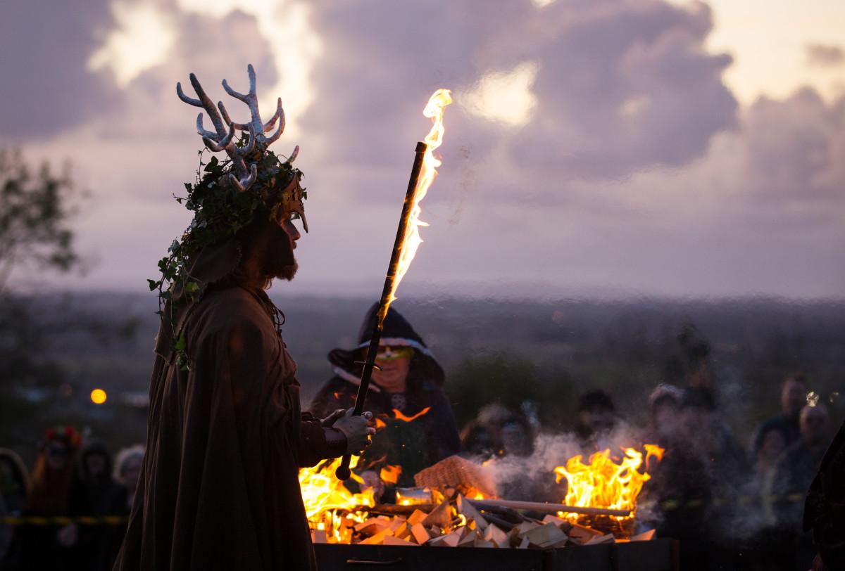 the-festival-of-samhain-is-celebrated-in-glastonbury